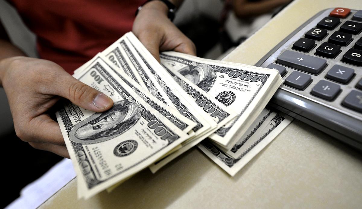 Dólar fica instável até o fim do ano, dizem especialistas; veja o que fazer